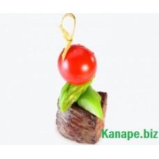 Канапе *прошутто *(тялятина филе), аспарагус , чери и соусом бальзамик