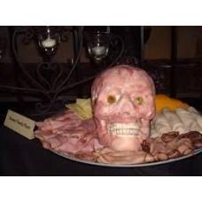 Голова узника с частями на Хэллоуин