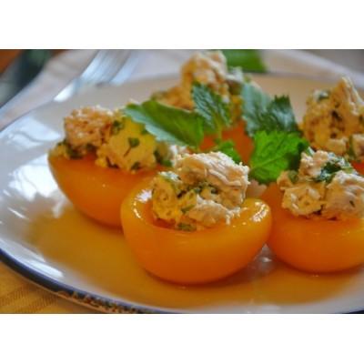 Закуска с курицей на персике